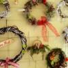 Weidenkränze und Weihnachtsgestecke vom Staudenhof Augenweide